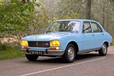 https://flic.kr/p/DXdJ2p | Peugeot 504 TI A12 1973 (8331) | Manufacturer: Peugeot SA, Sochaux - France Type: 504 TI A12 Injection 4-door Berline 11CV Production time: 1970 - 1977  Production outlet: 3,711,556 (1968 - 2005 all models) Engine: 1971cc straight-4 Peugeot XN2 Power: 106 bhp / 5.200 rpm Torque: 168 Nm / 3.000 rpm Drivetrain: rear wheels Speed: 173 km/h Curb weight: 1210 kg Wheelbase: 108 inch Chassis: with unibody Steering: rack & pinion Gearbox: BA7 four-speed manual / all sy...