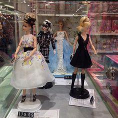 Silkstone @barbie display at @kadewe_berlin - check the exorbitant price of the De La Renta #Barbie #doll #dolls #dollstagram #fashiondoll #fashiondolls #mattel #dollsphotography #dollphotogallery #dollcollector #dollcollection #Berlin #kadewe #dolls...