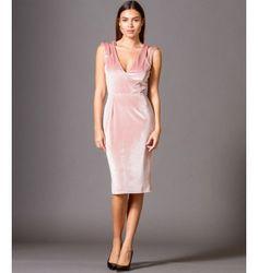 Βελούδινο Φόρεμα με βε και Ανοιχτή Πλάτη - Μake up Dresses For Work, Formal Dresses, Fashion, Dresses For Formal, Moda, Formal Gowns, Fashion Styles, Formal Dress, Gowns