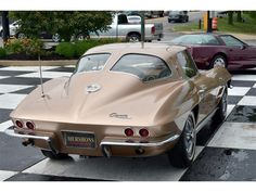 Corvettes For Ever Corvette C2, Car Ins, Cars And Motorcycles, Muscle Cars, Vintage Cars, Hot Rods, Chevrolet, Classic Cars, Window