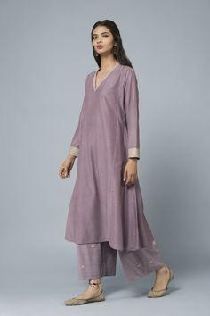 stitch fix outfits Pakistani Fashion Casual, Pakistani Outfits, Indian Outfits, Indian Fashion, Kurta Designs Women, Kurti Neck Designs, Blouse Designs, Indian Ladies Dress, Indian Dresses