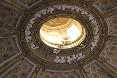 Andrea al Quirinale. Cherubs by his pupil Antonio Raggi. Baroque Sculpture, Cornice, Cherubs, Objet D'art, Sicilian, Doorway, Architecture, Cupid, Sculptures