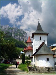 Statue Of Decebal Danube River Romania Places To See Pinterest Statue Of Romania And Rivers