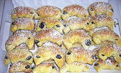 Makové rohlíčky - recepty a vaření Poslirecept.cz Bagel, Bread, Food, Brot, Essen, Baking, Meals, Breads, Buns