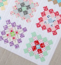 Red Pepper Quilts: A Great Granny Square Quilt