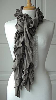 t shirt scarf (pretty sure this is a no sew).  I must figure out how to make this one...love the ruffles.