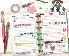 Next week in the mini happy planner. This mini is starting to grow on me. The horizontal layout is perfect just to note down to do lists and the decoration can be simple  Can't wait to get my hands on the 2017 version  Have a lovely Sunday everyone