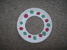 Pattern wreath. Good for toddlers!