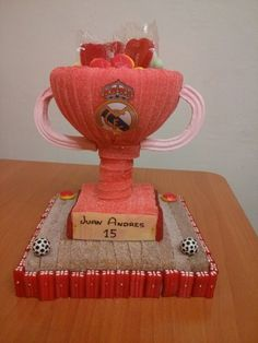 Copa campeones Tarta Real Madrid, Candy Pop, Candy Cakes, Sweet Cakes, Marshmallow, Buffet, Decoupage, High Tea, 3