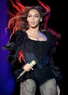 Well thank God Beyonce added more dates to her tour! Coachella Festival, Beyonce Coachella, Beyonce 2013, Festival Style, Beyonce Formation Tour, The Formation World Tour, Festivals, Queen Bee Beyonce, Rap