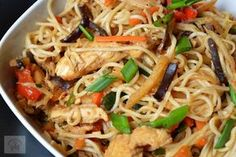 Asian Recipes, Ethnic Recipes, Spaghetti Bolognese, Romanian Food, 30 Minute Meals, Chinese Food, Japchae, Food And Drink, Yummy Food