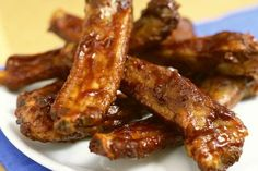 Boiling ribs is a good way to tenderize the meat. In general, pork spare ribs should be cooked slowly at a low temperature to ensure succulent, tender meat. Sauce Barbecue, Barbecue Ribs, Ribs On Grill, Grilled Spare Ribs, Pork Spare Ribs, Marinated Pork, Grilled Pork, Bbq Ribs, Prime Rib Roast