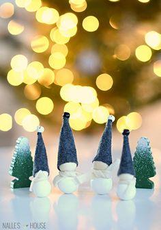 Nalle's House: DIY: Aarikka Inspired Jingle Bell Elves