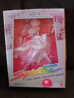 I absolutely LOVED my Spectra doll. I played with these more than Barbie.  I had one other one - a blue one. But they were very articulated and I could do acrobatic shows with them ALL the time.