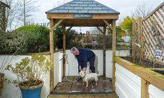 Glen Bank is so dog friendly it has a dog shower! #dogfriendly #dogshower