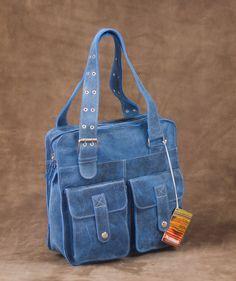 Kira Azul - Bolso en cuero. $190.000 COP (Envío gratis). Encuentra más accesorios fashion para mujer en https://www.giferent.com/regalos-personalidad-mujer-fashionista