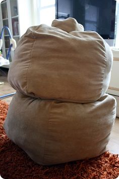 GENIUS -tutorial for making zippered beanbag chairs...that you stuff with all those ridiculous stuff animals ALL. OVER. THE. HOUSE. This is on my MUST DO THIS WEEK list!!!