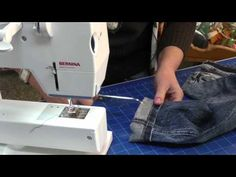 Jak zkrátit Jeans - YouTube Textiles, Sewing Hacks, Jeans, Youtube, Quilt, Diy Projects, Tips, Scrappy Quilts, Quilts