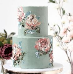 Absolutely Abstract to Painterly Impressionism—These Cakes Are True Works of Art - Green Wedding Shoes from { { FeedTitle} }{ { EntryUrl} } Black Wedding Cakes, Green Wedding Shoes, Pretty Cakes, Beautiful Cakes, Club Of Cooks, Brushstroke Cake, Painted Cakes, Floral Cake, Cupcakes