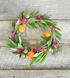 Hostess Gift Idea: DIY Fall Wreath Style Me Pretty | Apartment Therapy