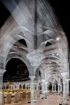 An expansive pavilion of architectural elements built by Edoardo Tresoldi of wire mesh - Cultural Architecture Cultural Architecture, Art And Architecture, Abu Dhabi, Espace Design, Pinterest Design, Colossal Art, Wire Mesh, Design Lab, Architectural Elements
