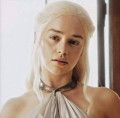 Daenerys Targaryen Aesthetic, Emilia Clarke Daenerys Targaryen, Game Of Throne Daenerys, Danaerys Targaryen Hair, Ansel Elgort, Game Of Thrones Art, Mother Of Dragons, Khaleesi, Character Inspiration