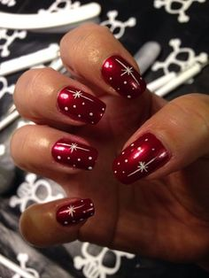 Christmas Nails. Simply Gorgeous.                                                                                                                                                     More