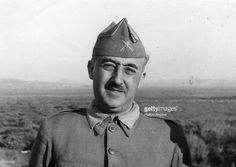 Francisco Franco - Franco quieró la Lanza del Destino porque él quieró la magia. Tambíen, él bombardeó Guernica.