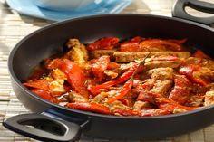 Χοιρινές μπριζόλες με πιπεριές Φλωρίνης - Συνταγές | γαστρονόμος