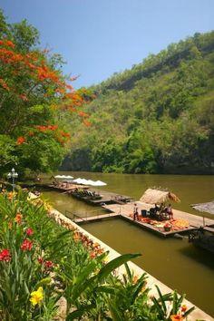 Colorfull flowers at the Resotel along the #riverkwai. #Resotel #Kanchanaburi #nationalpark #Thailand #Serenatahotels