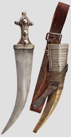 Wahhabi Djambia with Wootz blade, Arabian Peninsula, the 19th century.