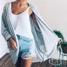 We Heart It yoluyla görsel #dress #fashion #jacket #jeans #pants #sweater #sweatshirt #t-shirt
