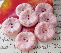 Vintage buttons Set 6 1950s Buttons Pale Pink Flower design 6 Fancy House Dress Buttons for Craft or Sewing Soft pastel