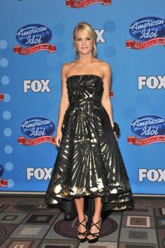 Carrie Underwood. That dress! Love.