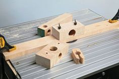 The finished dowl making jig (PHOTOGRAPHS BY ALAN HOLTHAM)