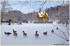 Thai Sala im Schnee, Westpark München, Germany