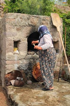 Baking bread to feed hundreds for the double circumcision celebrations of Ayşe Hanım's grandsons!