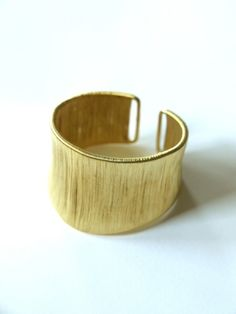 $18.00  Wire Cuff bracelet gold I could so make this!