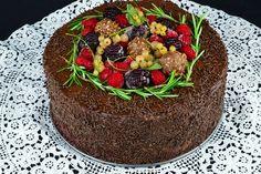 Tort cu mousse de ciocolata si zmeura - CAIETUL CU RETETE Romanian Desserts, Penne, Kiwi, Quinoa, Avocado, Sandwiches, Cheesecake, Deserts, Food And Drink