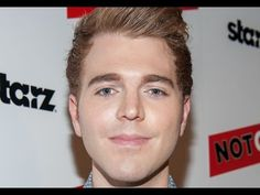 How Much Money Shane Dawson Makes on YouTube Top Youtubers, Youtube Subscribers, Youtube Stars, Shane Dawson, Coming Out, Filmmaking, Competition, Music, Squad