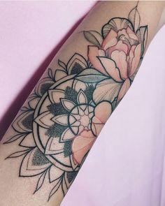 Top Tattoos, Dream Tattoos, Sexy Tattoos, Flower Tattoos, Body Art Tattoos, Sleeve Tattoos, Tattoos For Women, Tattos, Piercing Tattoo