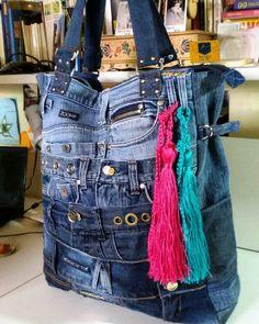 Diy Bags Jeans, Denim Tote Bags, Amo Jeans, Love Jeans, Mochila Jeans, Jean Purses, Denim Handbags, Denim Ideas, Denim Crafts