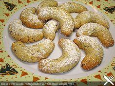 Vanille - Kipferl, ein raffiniertes Rezept aus der Kategorie Kekse & Plätzchen. Bewertungen: 90. Durchschnitt: Ø 4,5.