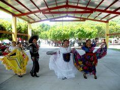 Participaron 19 alumnas de los grupos 101, 102, 301, 302, 501 y 502 del #EMSAD01ValledeVázquez del #Cobaem_Morelos, ubicado en la comunidad del mismo nombre y perteneciente al municipio de #Tlaquiltenango.