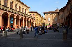 Bologna besitzt eine der schönsten Altstädte Europas, mit viel schöner Architektur aus dem Mittelalter. Ideal auch für einen Kurztrip ins schöne Italien, weit ab vom Massentourismus. Richtig schön, wenn man es sich mal so richtig gutgehen lassen möchte.......www.welt-sehenerleben.de  #Bologna #Italien #Urlaub #Arkaden #Reise #travel #spiegelonline #spon_reise #spo