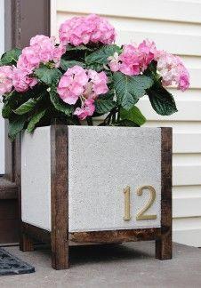 Cute DIY planters with concrete pavers