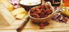Noix épicées Recettes   Ricardo Ricardo Recipe, Spiced Nuts, Nut Recipes, Salads, Spices, Vegetarian, Cheese, Christmas, Food