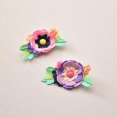 Corona de flor de fieltro / rifle de color rosa o púrpura