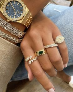 Fancy Jewellery, Cute Jewelry, Gold Jewelry, Jewelery, Trendy Accessories, Jewelry Accessories, Accessoires Iphone, Gold Watches Women, Gold Aesthetic