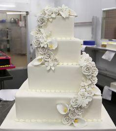 Cake boss wedding cakes with flowers junglespirit Choice Image